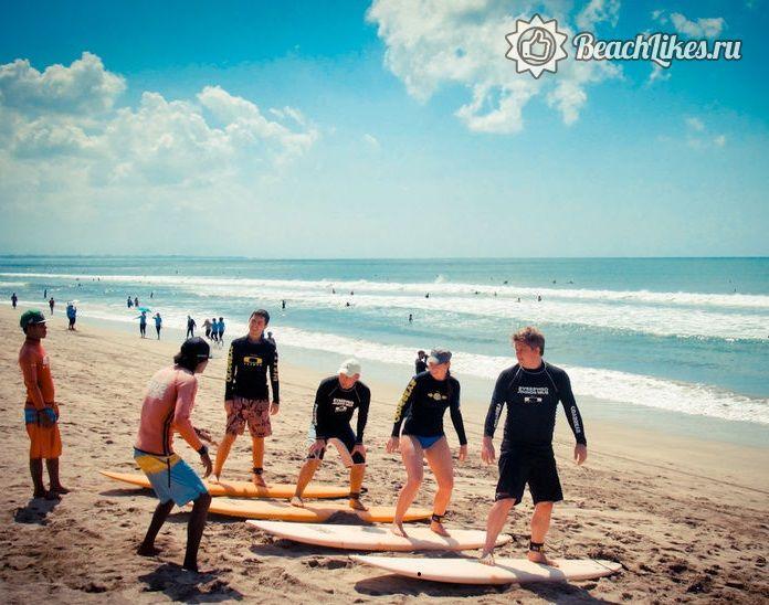 Пляж Кута на Бали подходит для серфинга