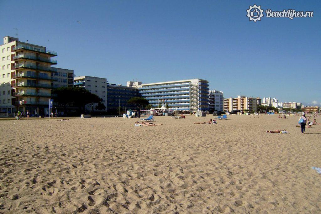 Пляж в Санта-Сусанне, Каталония, Испания