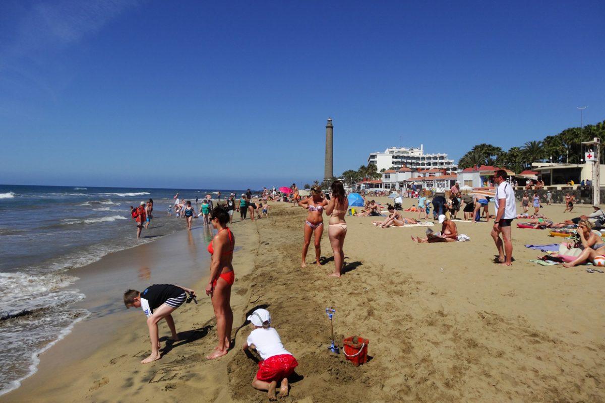Пляж Плайя де Маспаломас на острове Гран-Канария