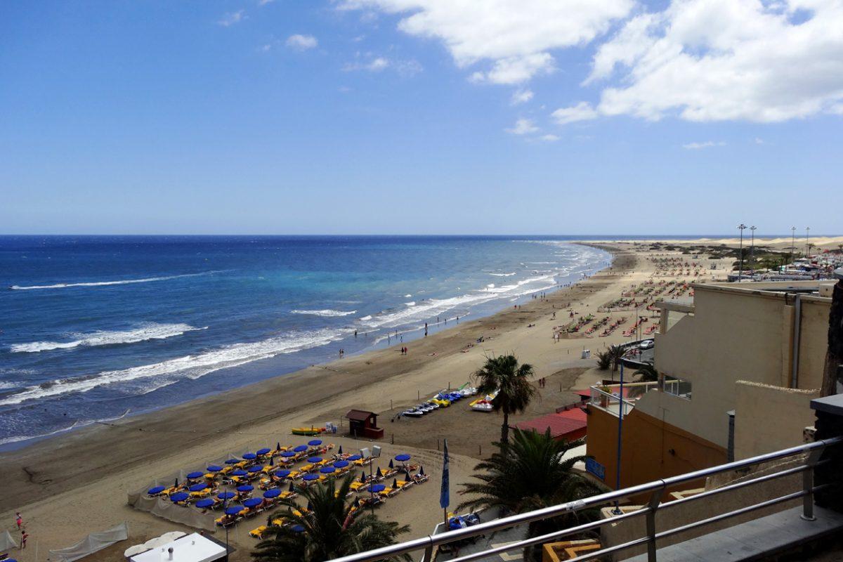 Пляж Плайя дель Инглес на острове Гран-Канария