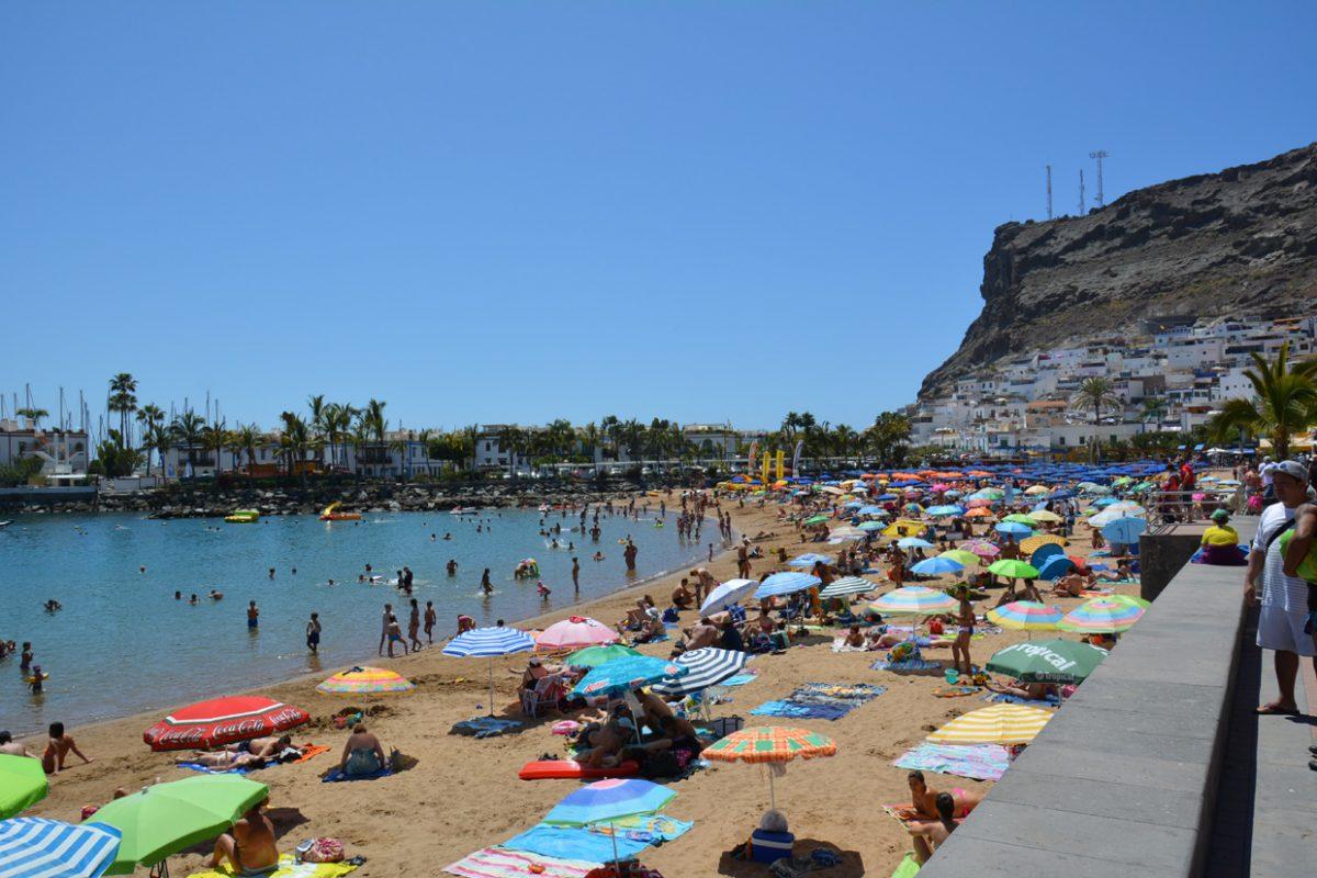 Пляж Пуэрто-де-Моган на острове Гран-Канария