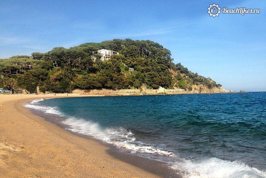 Пляж Феналс в Ллорет де мар, Испания