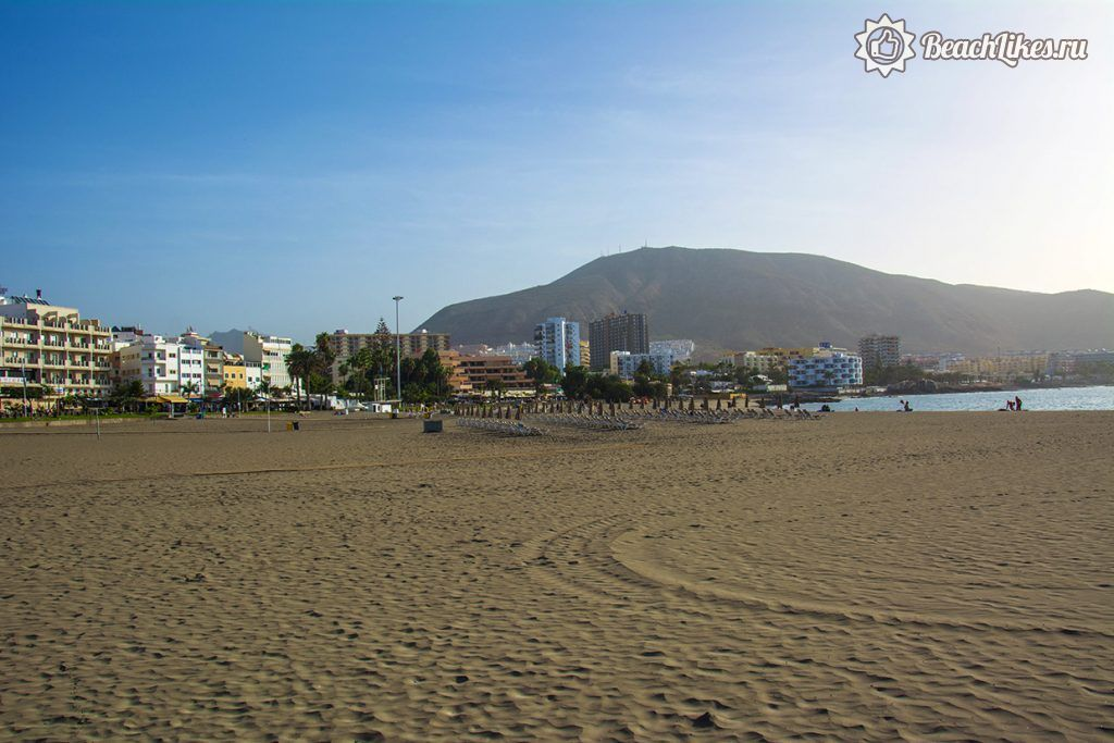 Пляж Плайя де лос Кристианос на Тенерифе