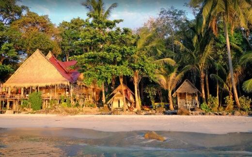 Лонли бич тихий пляж на Ко Чанге